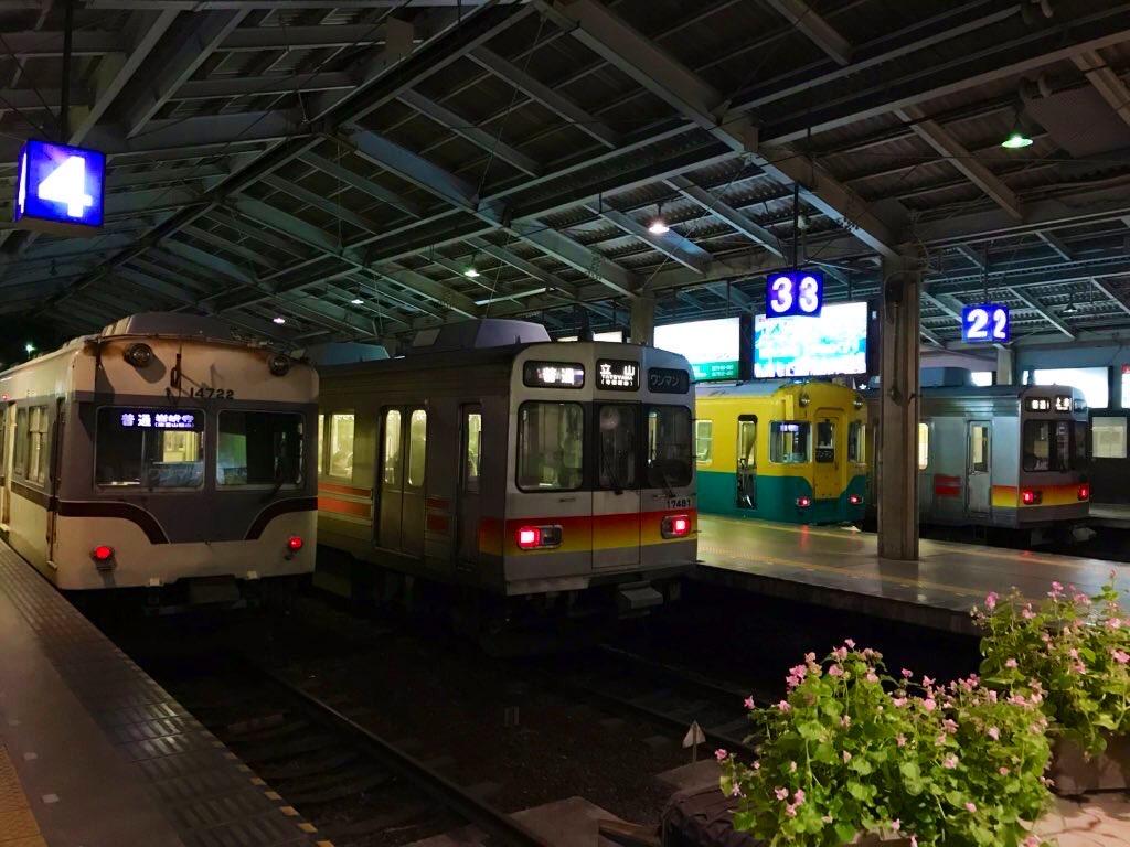 電鉄富山駅_ホーム